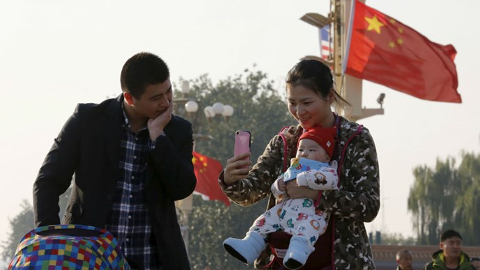 chinhsach1con-reuters_smlb