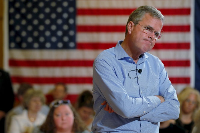 U.S. Republican presidential candidate Jeb Bush listens to a question during a town hall meeting at the Medallion Opera House in Gorham, New Hampshire, in this file photo taken July 23, 2015. Jeb Bush said on February 20, 2016 he was suspending his campaign after a disappointing finish in the South Carolina primary. REUTERS/Brian Snyder/Files