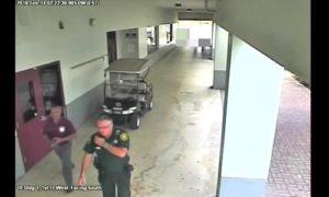 Mỹ công bố video cảnh sát không can thiệp vụ xả súng trường học ở Florida
