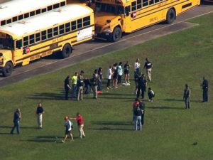 Nổ súng tại trường trung học ở Mỹ, 8 người có thể đã chết